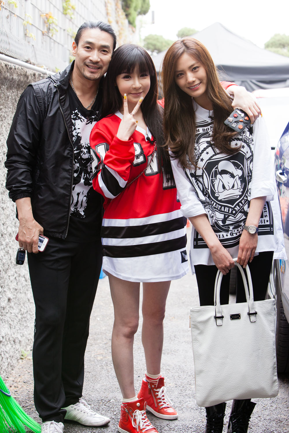 Exclusive On-Site Photos of Young & Fresh Park Bom on ...