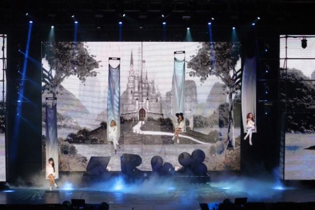 2NE1-AON-Malaysia010