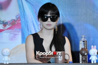 2ne1-at-open-press-conference-in-singapore-its-the-music-we-get-to-do-the-things-that-we-want-to-do-photos (1)