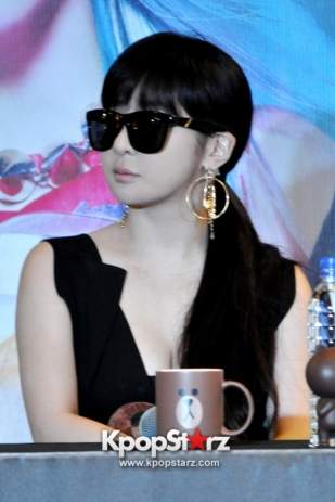 2ne1-at-open-press-conference-in-singapore-its-the-music-we-get-to-do-the-things-that-we-want-to-do-photos